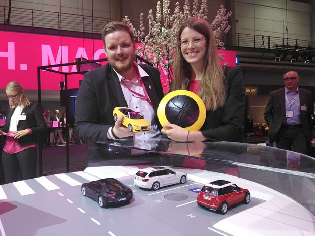 Thomas und Lena parken smart