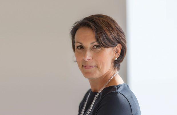 Manuela Mackert Chief Compliance Officer DT Portrait quer-Kleiner.jpg