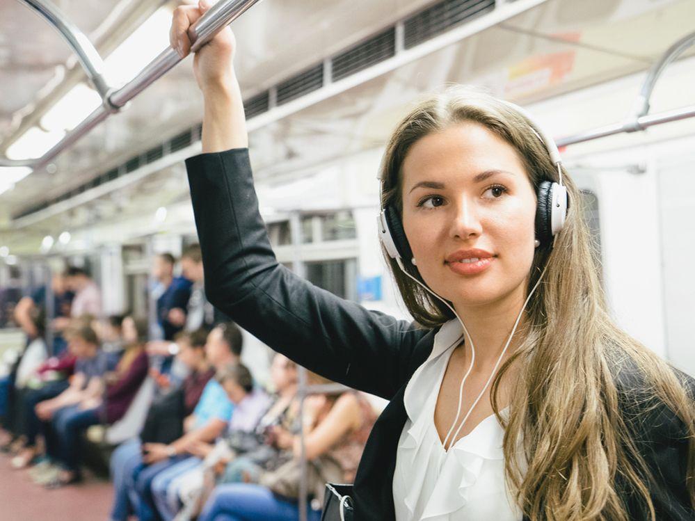 Lärm muss draußen bleiben – so funktionieren geräuschunterdrückende Kopfhörer